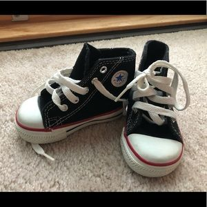 Baby converse all star chuck taylor shoes.